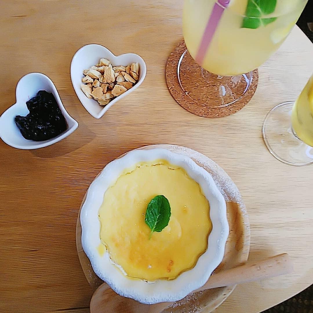 La Maison Nollys(ラメゾンノーリーズ)のチーズケーキ&レモネード