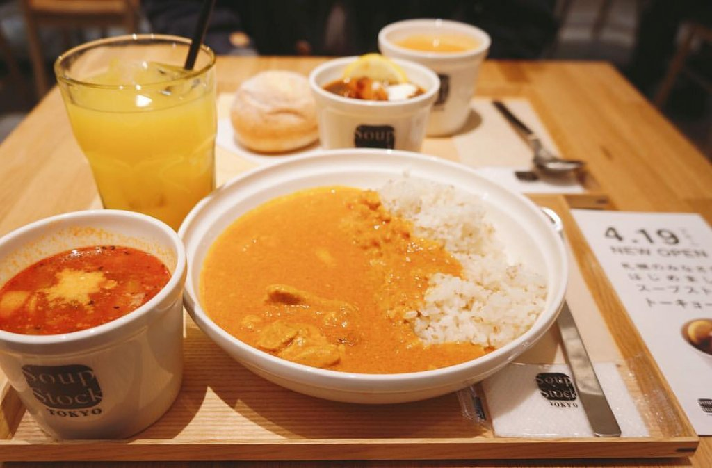 スープストックトーキョーのカレーとスープのセット