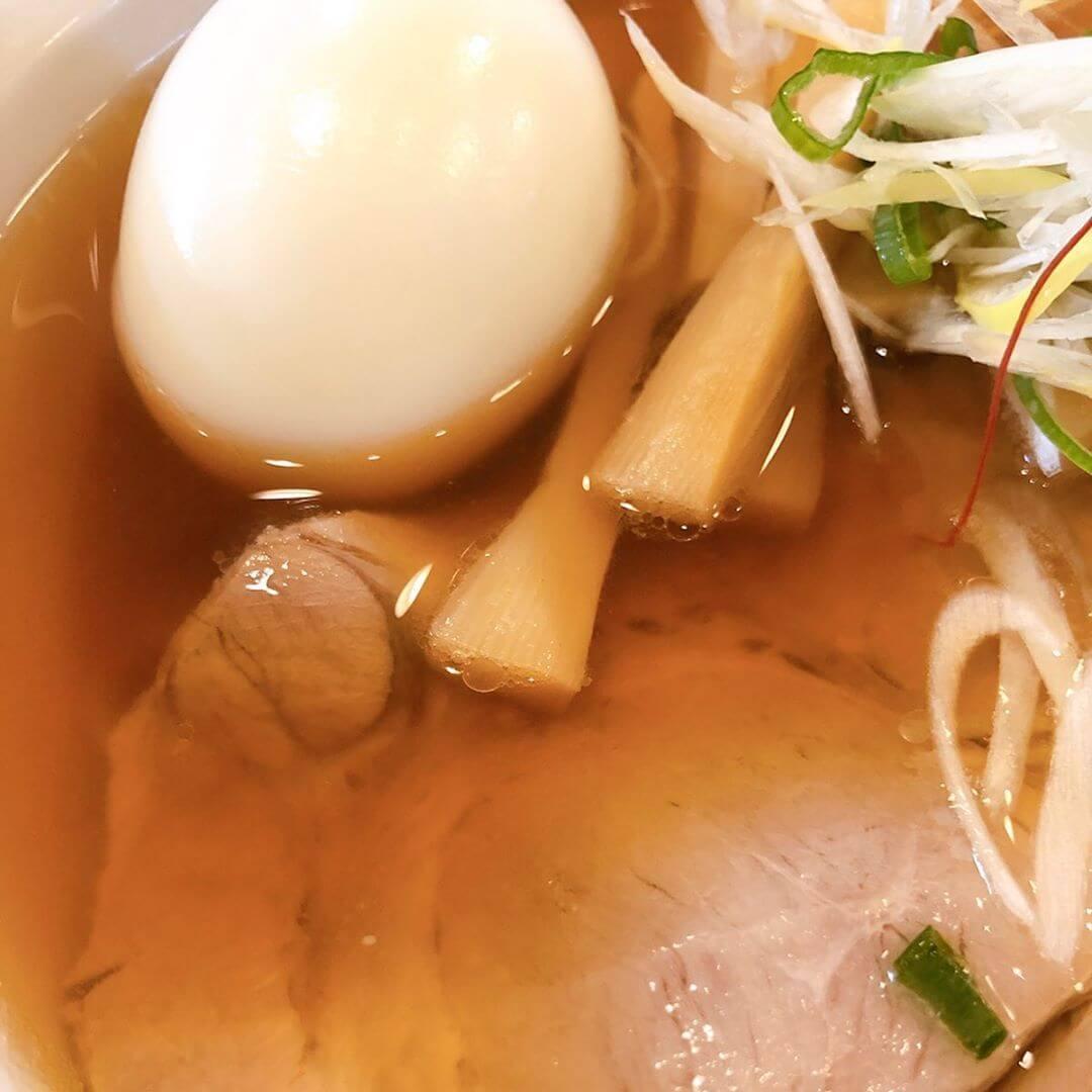 中華そば 真壁六郎太の和風しょうゆのスープ