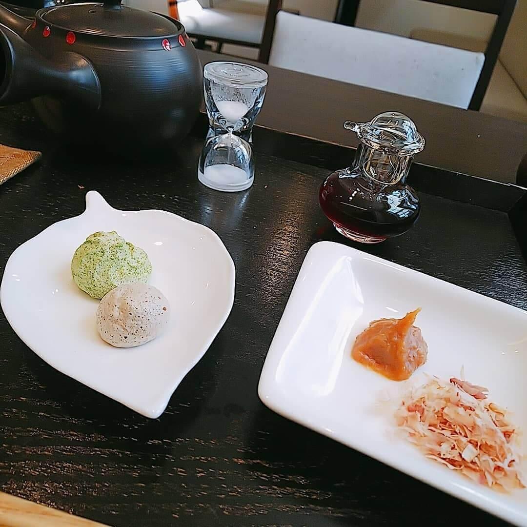 日本茶カフェ 茶楽逢(さらい)のお茶のメレンゲ菓子