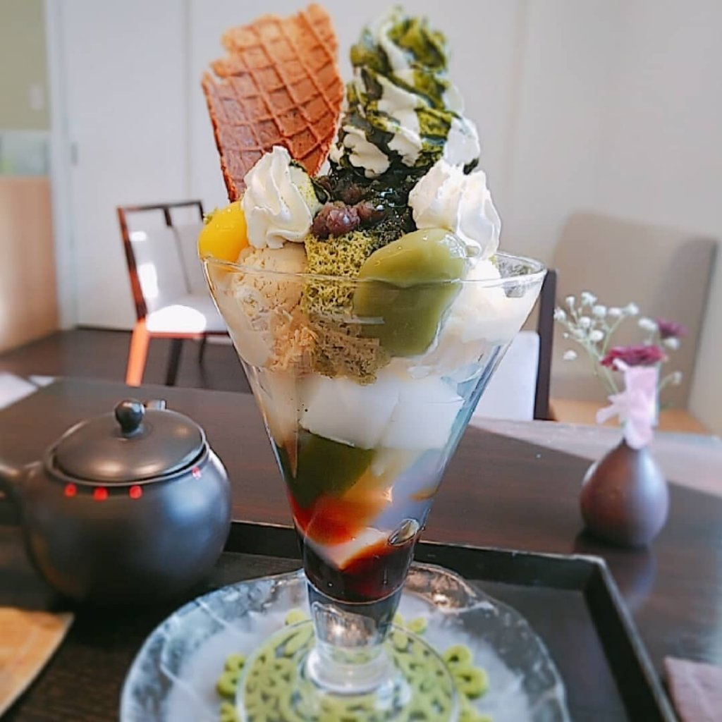 日本茶カフェ 茶楽逢(さらい)の抹茶パフェ