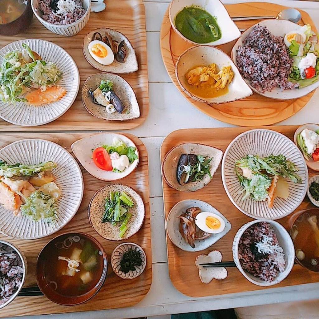 akubi(アクビ)の日替り定食