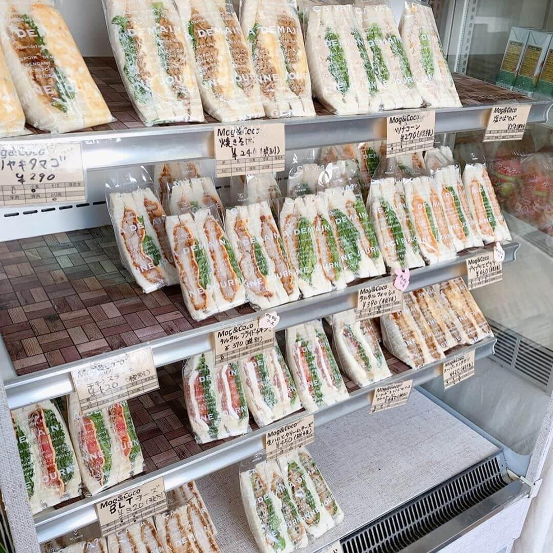 モグアンドココ(Mog&coco)の店内で売っているサンドイッチ
