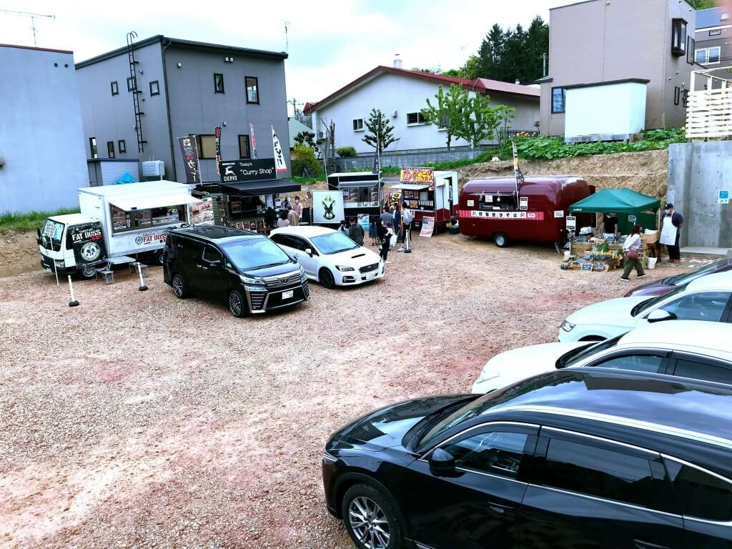 CAFE De CLAMP(カフェ ド クランプ)の駐車場