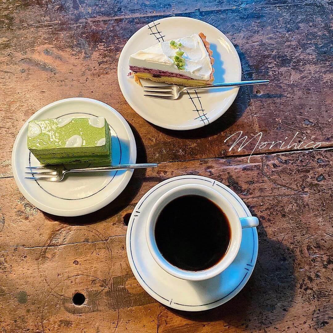 森彦の森彦の抹茶のムース・ブルーベリーのチーズクリームタルト