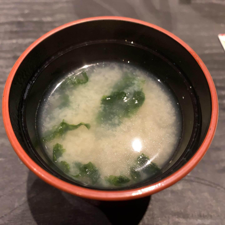 姫沙羅(ひめしゃら)の魚介出汁のあおさの味噌汁