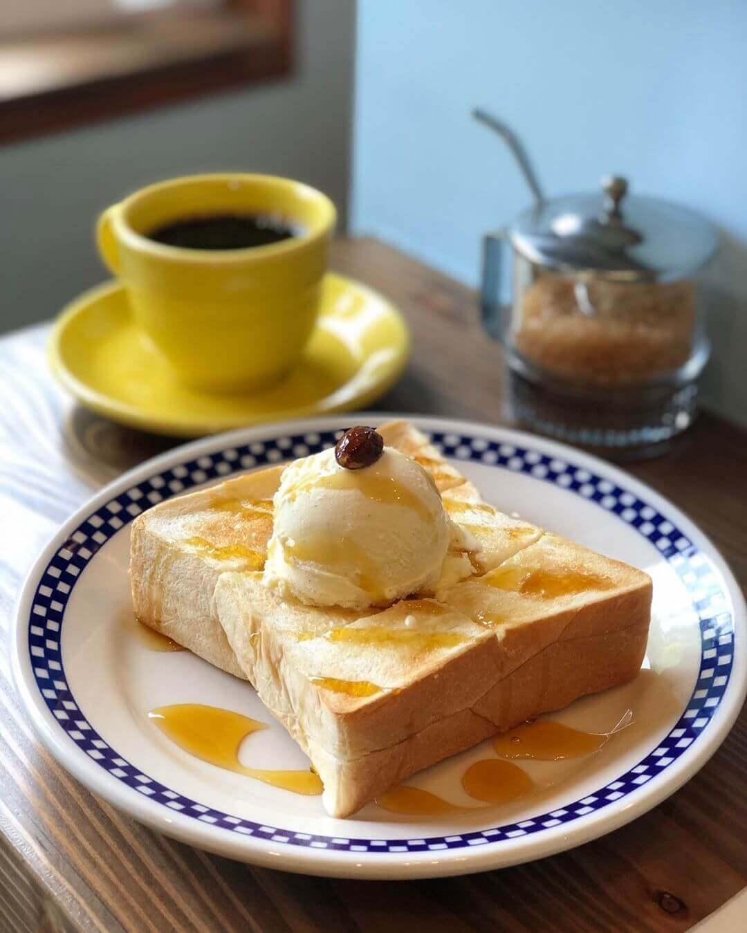 ishimotoん家のハニートーストとホットコーヒー