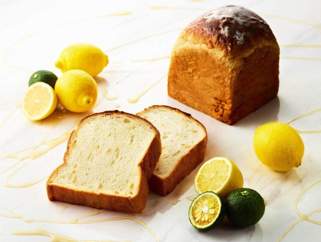 と 食パン も さき