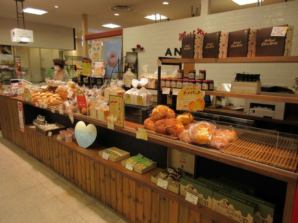 ハートブレッドアンティーク 札幌エスタ店の外観