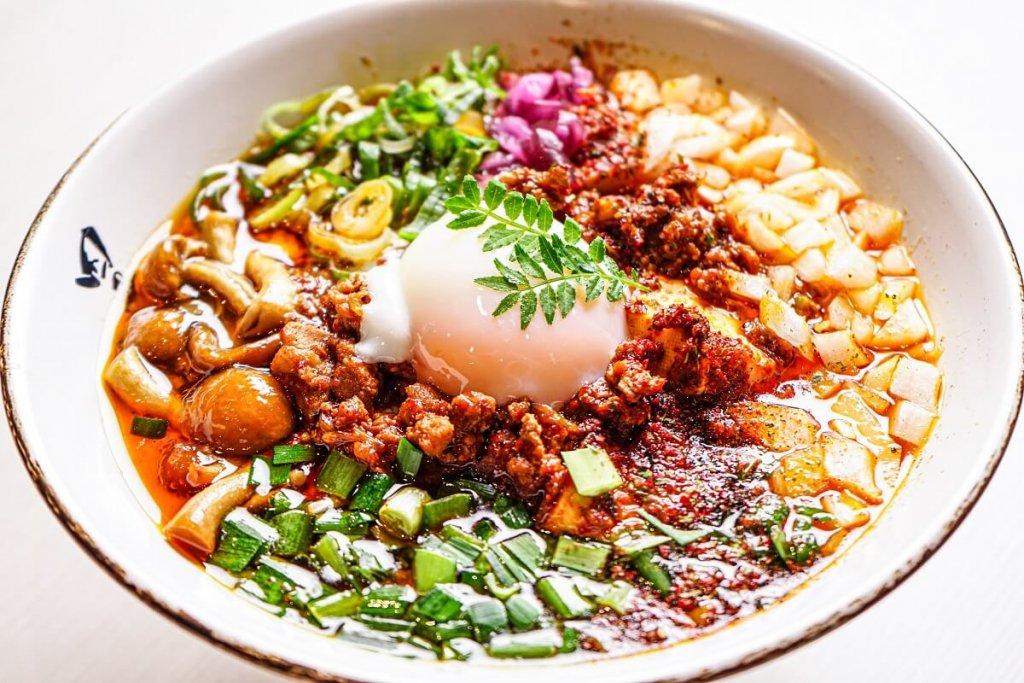 蝦夷麺 四の五の言わず 札幌本店の龍虎青山椒麺