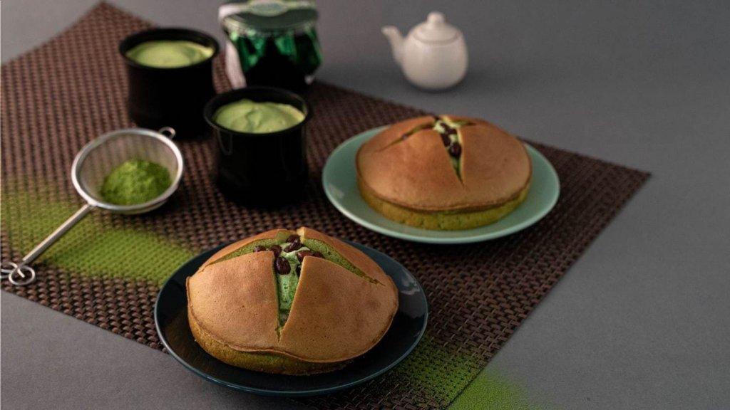 ファミリーマートのダブルクリームサンド(抹茶クリーム&ホイップ)&旨み抹茶のクリームわらび餅