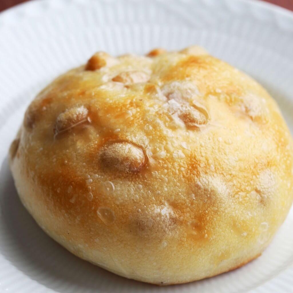 ロイズの白いんげん豆の塩パン