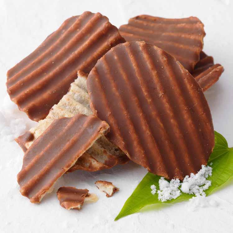 ロイズのロイズ石垣島 ポテトチップチョコレート[石垣の塩]