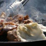 すすきののシャンゼリゼビル屋上にて『札幌天空ビアガーデン』が開催中!赤字覚悟の食べ飲み放題を提供