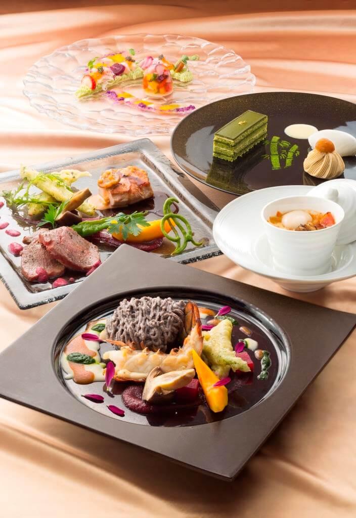 センチュリーロイヤルホテル「スカイレストラン ロンド」の『旅する回転レストランコラボレートディナー』