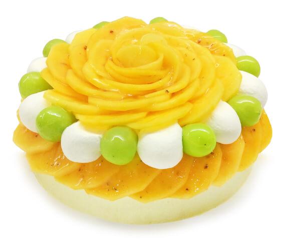 カフェコムサの『柿とピスタチオクリームのショートケーキ』