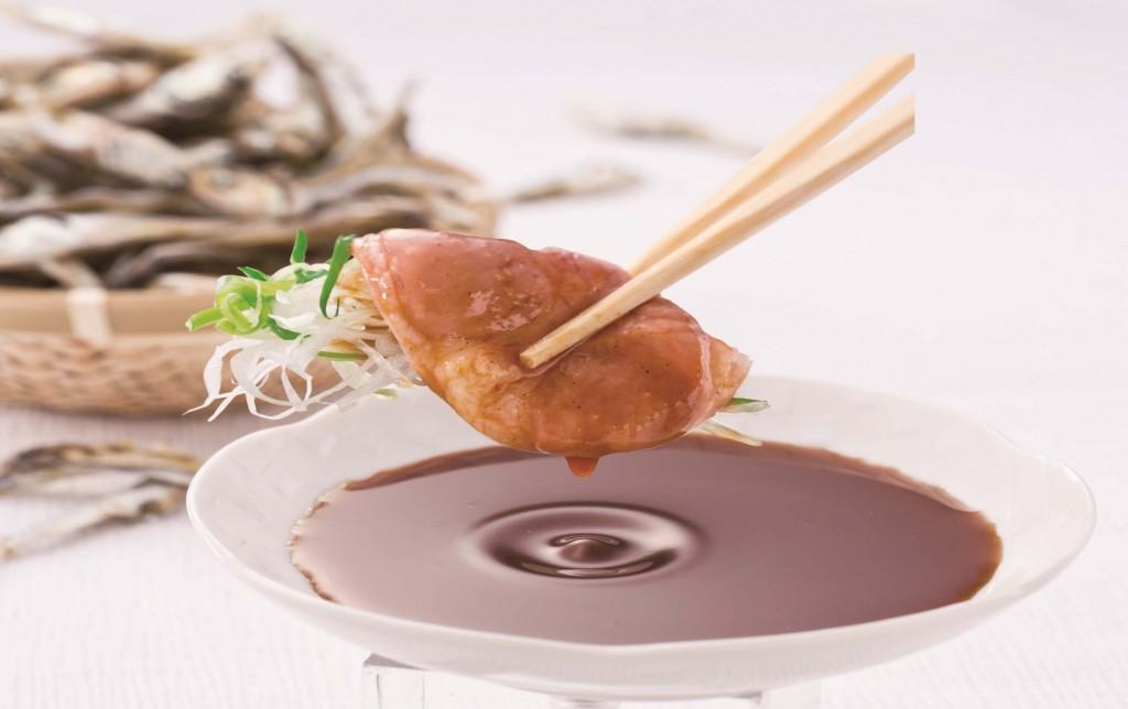 しゃぶしゃぶ温野菜の『極み鴨だしの鴨しゃぶ食べ放題』の煮干し醤油だれ