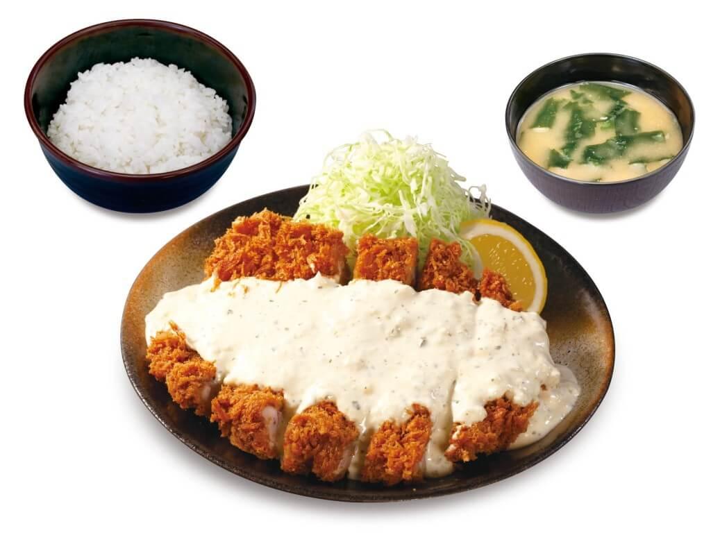 松のや・松乃家の『たっぷりタルタルメガチキンかつ定食』