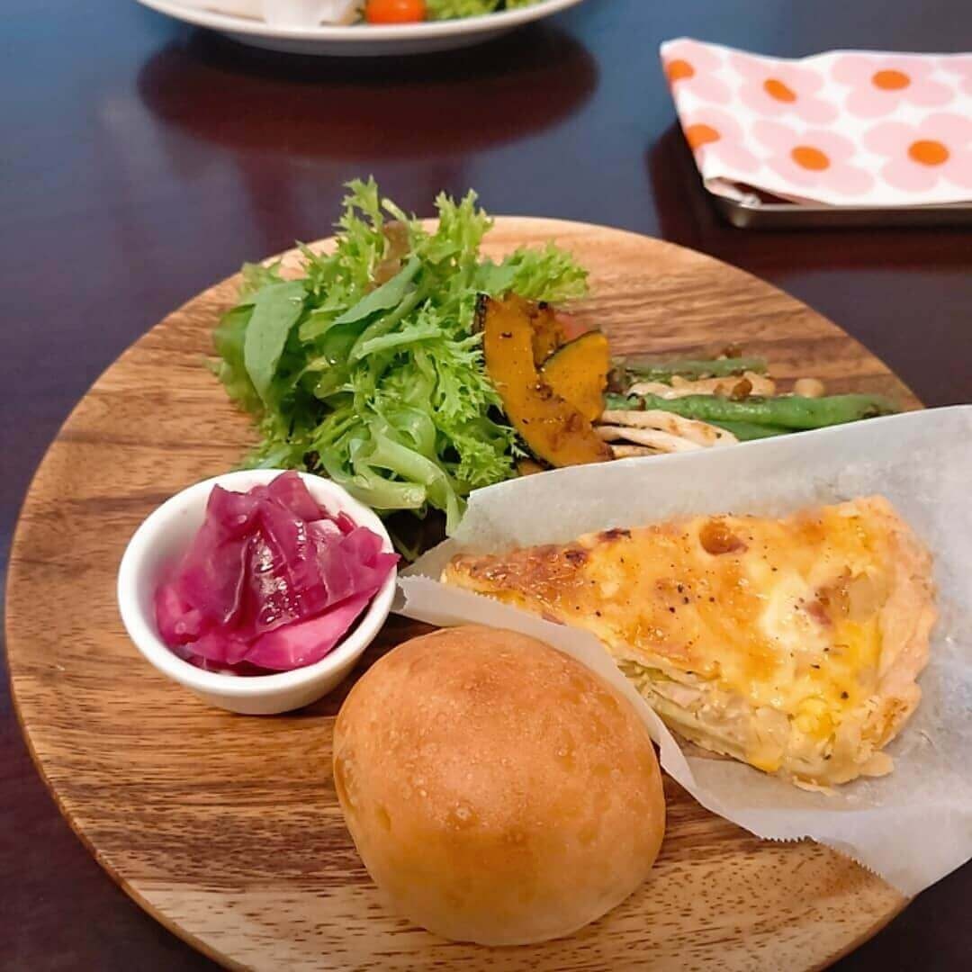 Stationery&cafe kushukushu(クシュクシュ)のキッシュセット