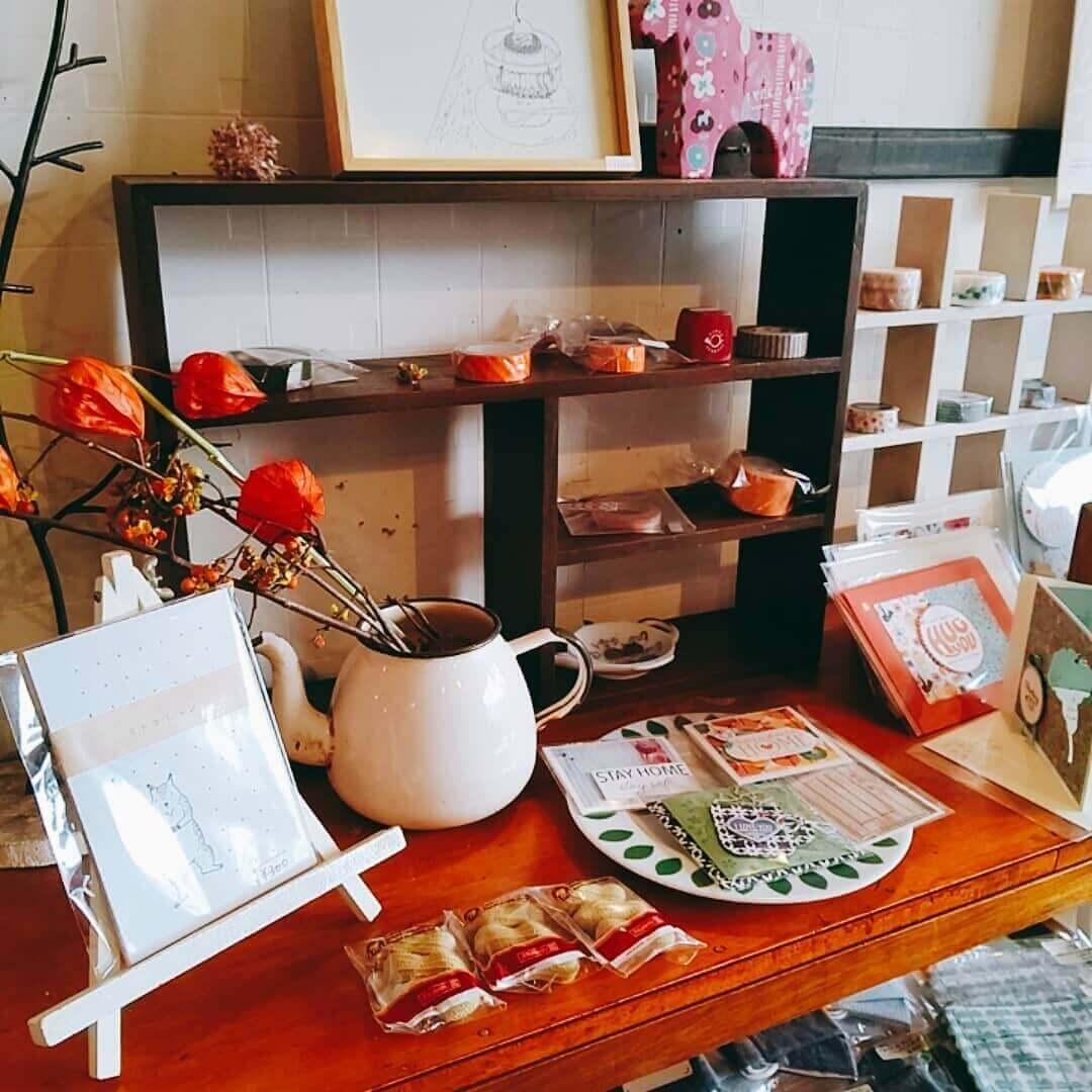 Stationery&cafe kushukushu(クシュクシュ)の店内