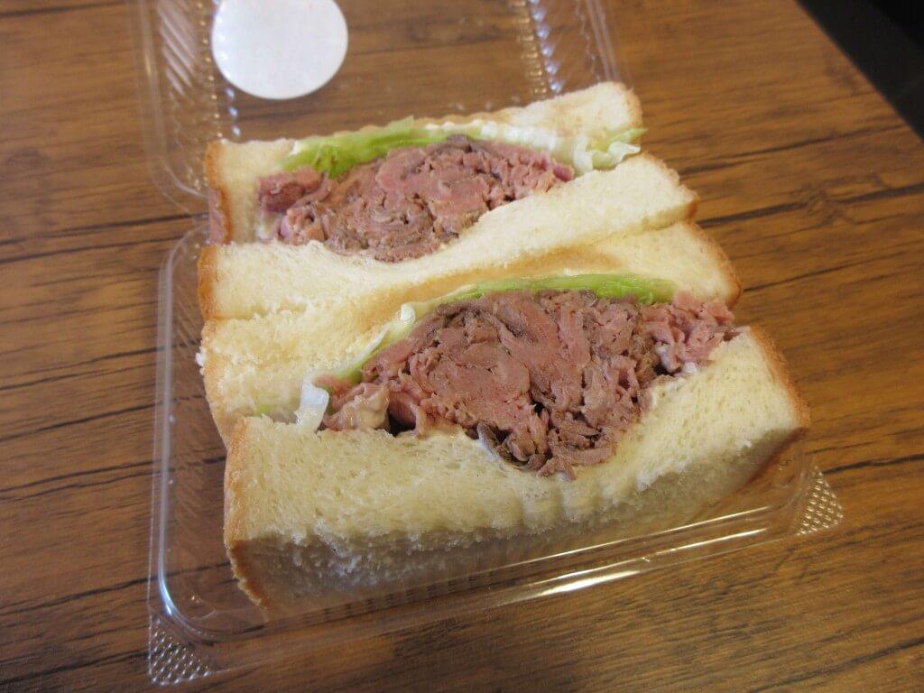 厚切りサンドイッチのお店 ことにサンドの『自家製ローストビーフ』