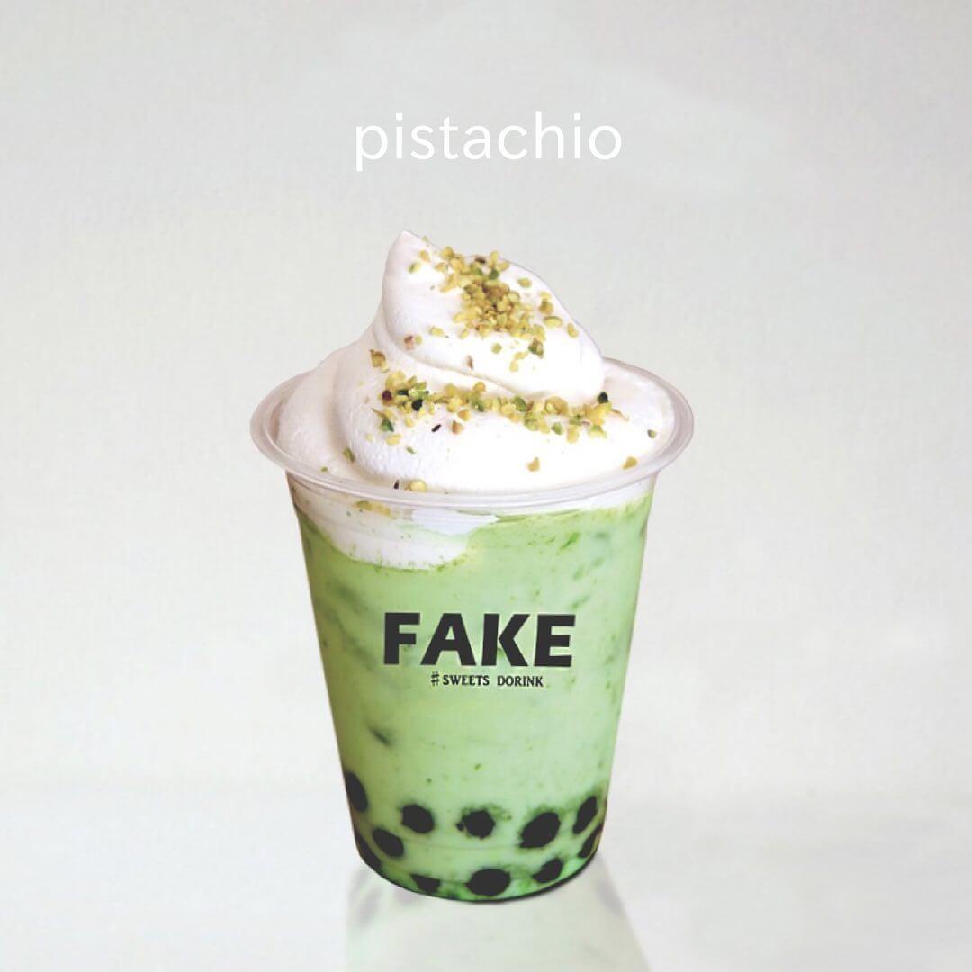フェイクサプライズスイーツ『フェイクの飲むスイーツドリンク-ピスタチオミルククリーム』