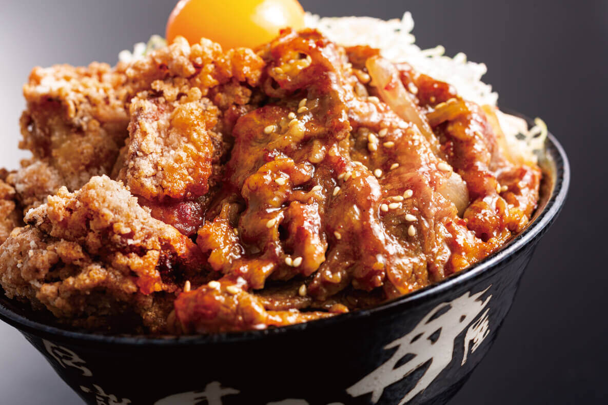 すた丼屋の『ジューシーな牛カルビに絡む「特製すたみな焼肉ダレ」』