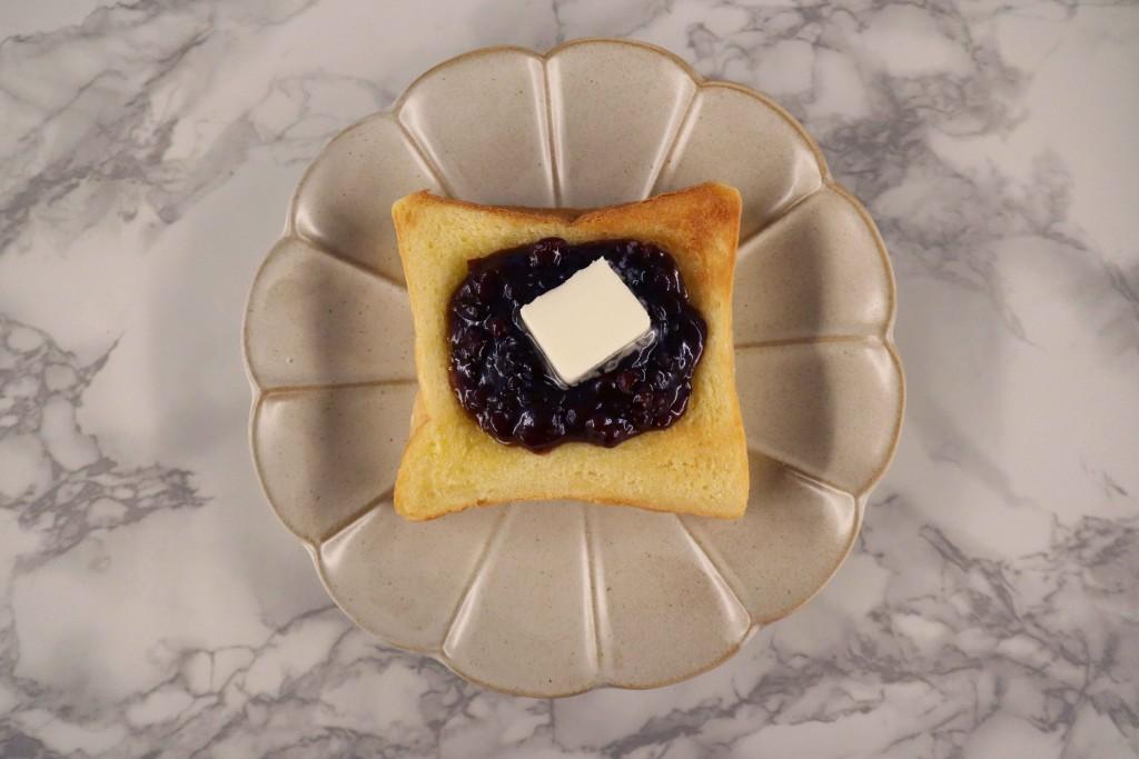 高級「生」食パン専門店 乃が美『不動の人気!あんバタートースト』