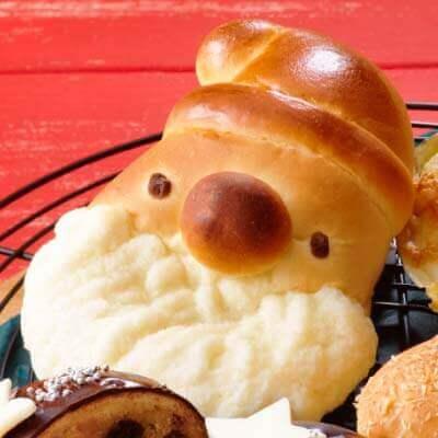 ロイズ『クリスマス限定のパン』-サンタパン