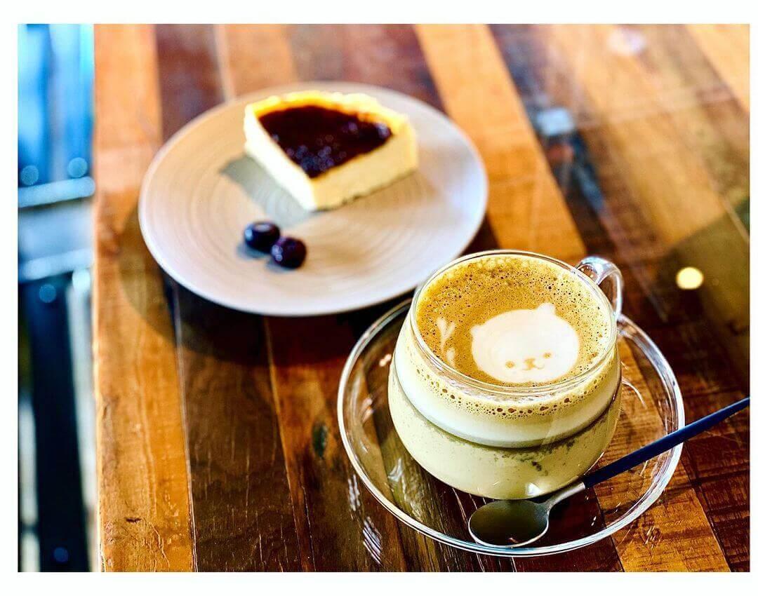大人座 otonazaの『バスクチーズケーキ』&『和紅茶ラテ』