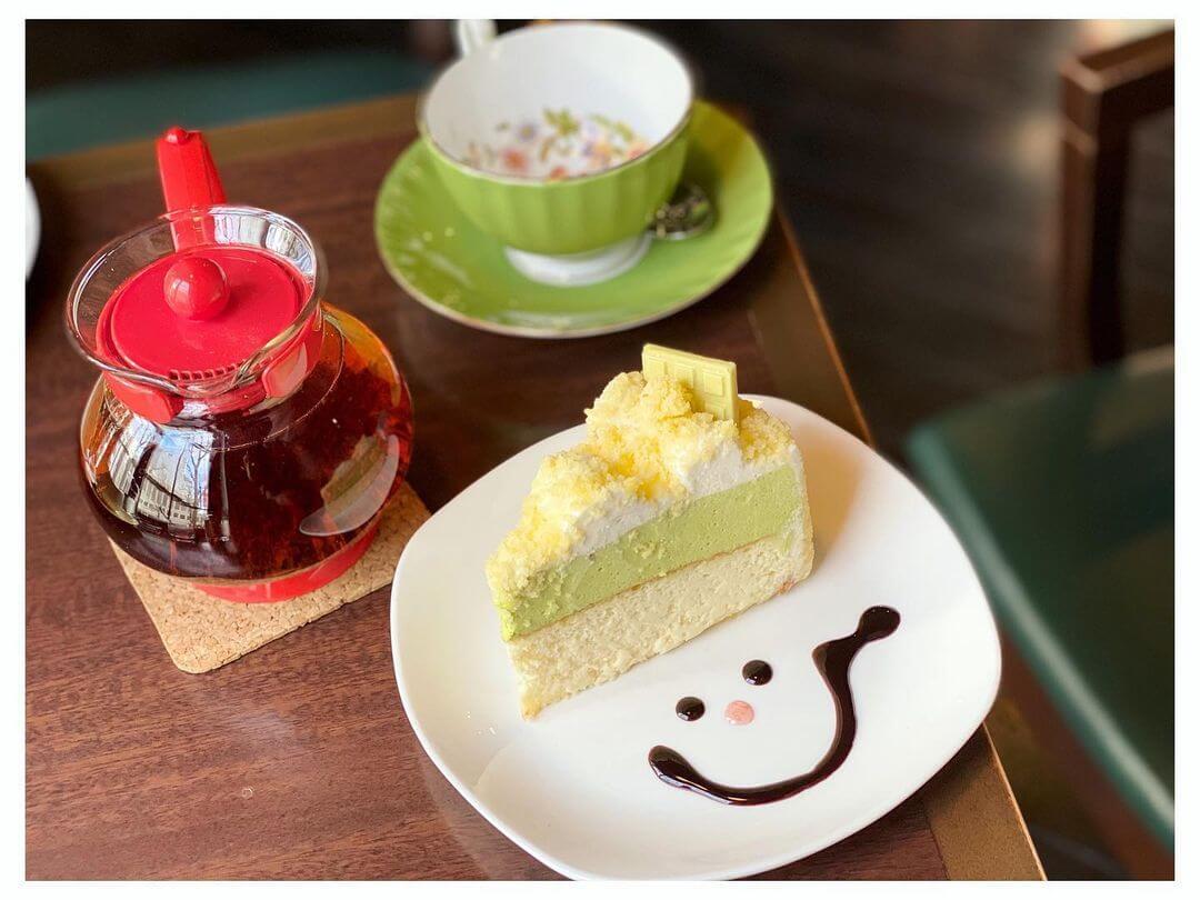 三番街珈琲店の『ピスタチオのドゥーブルフロマージュ(紅茶セット)』