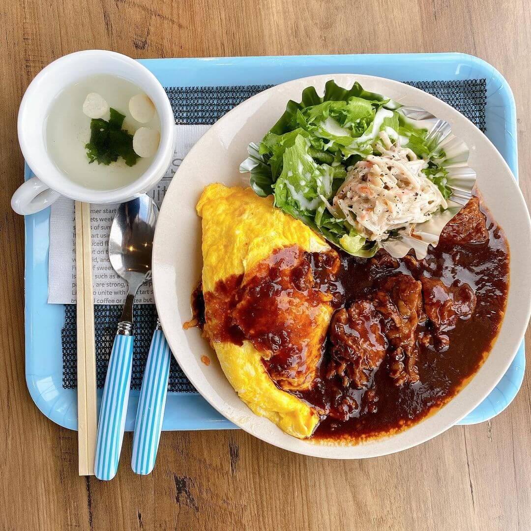 café KITANO(カフェ キタノ)の『ゴロゴロ肉ビーフシチューオムライス』
