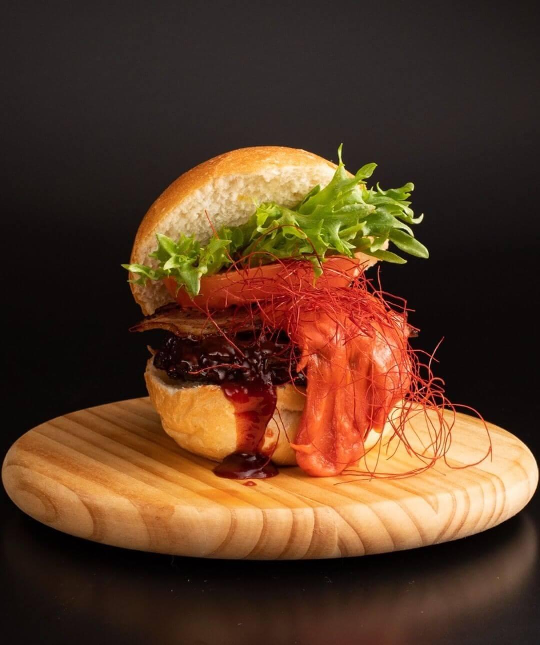 北海道和牛バーガーファクトリー『激辛ブルダック和牛バーガー』