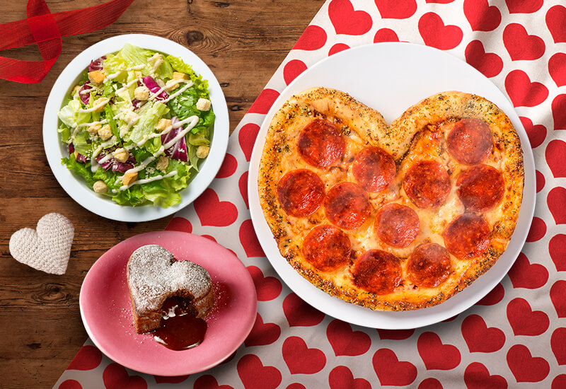 ドミノ・ピザの『ハートのピザ1枚+サイド2品』