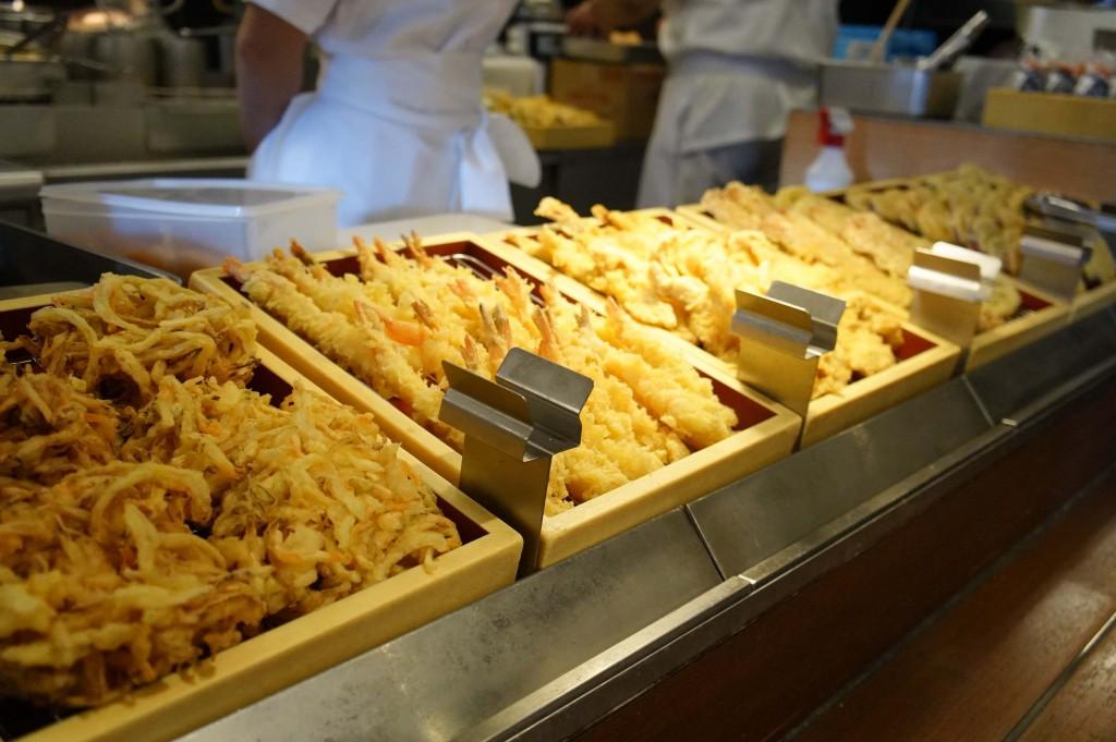 讃岐うどん専門店 丸亀製麺『丸亀ランチセット』-種類が豊富なサクサクの天ぷら