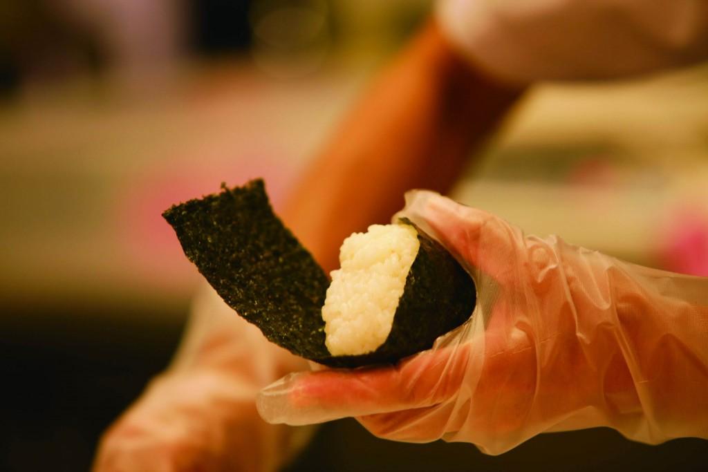 讃岐うどん専門店 丸亀製麺『丸亀ランチセット』-名わき役のいなり、おむすび
