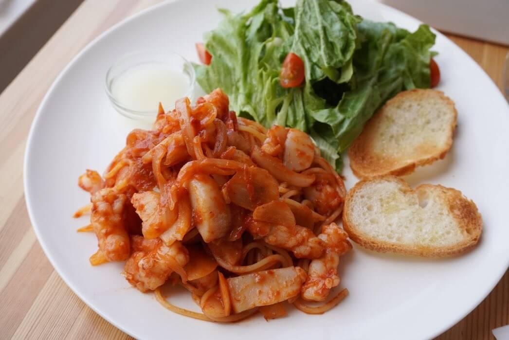 SORA CAFE(ソラカフェ)の『エビと道産ホタテを使用したトマトパスタプレート』