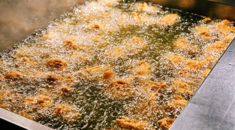 塩ザンギとお惣菜 ひろちゃんのこだわり-パリパリ食感をつくる油の秘密