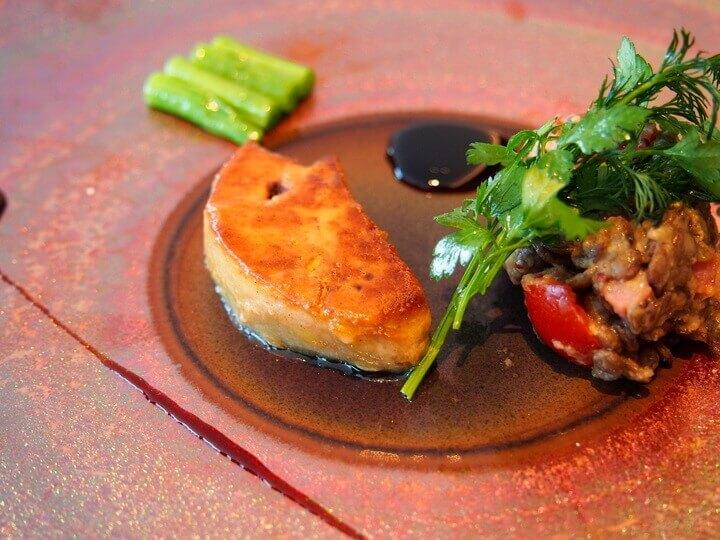 スカイレストラン ハレアス『フォアグラのソテー ドライトマトとベーコンのタブレ』