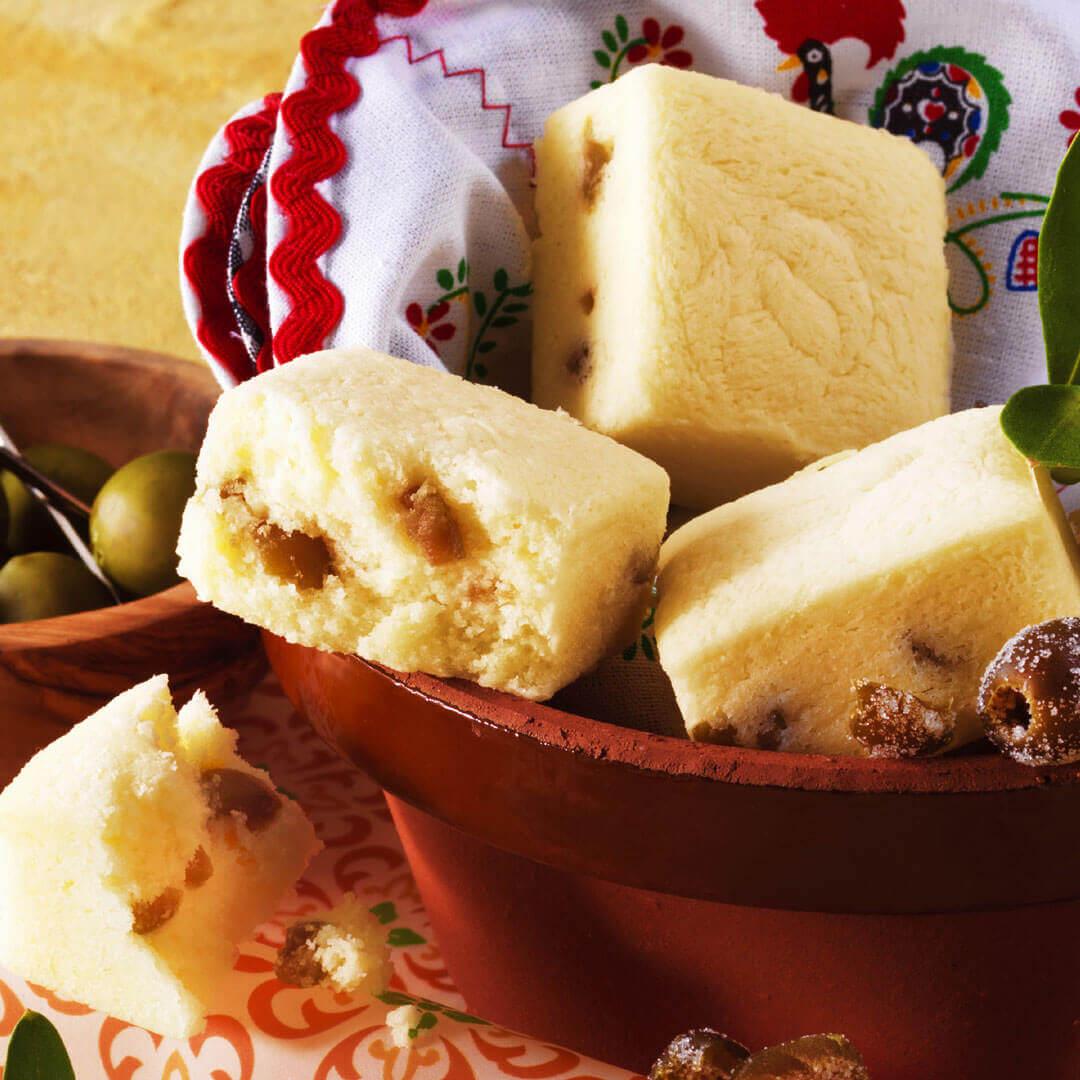 ロイズの『オリーブとチーズのプチケーキ』