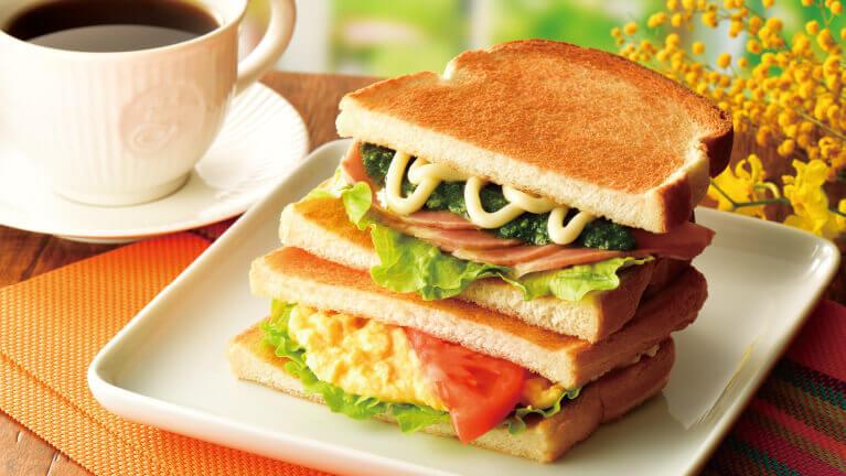 カフェ・ド・クリエの『2つのサンド 大葉香るローストポークとたまごサラダ』