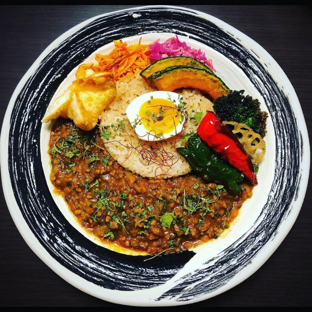 進化系スパイス咖喱250(ニコマル)のカレー