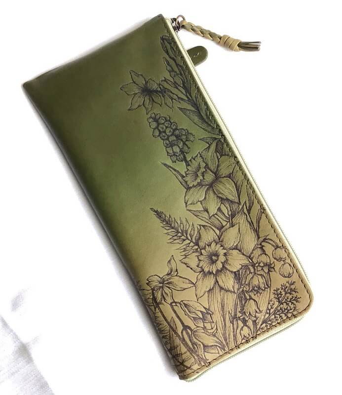 「Leather Burning」を使用した財布