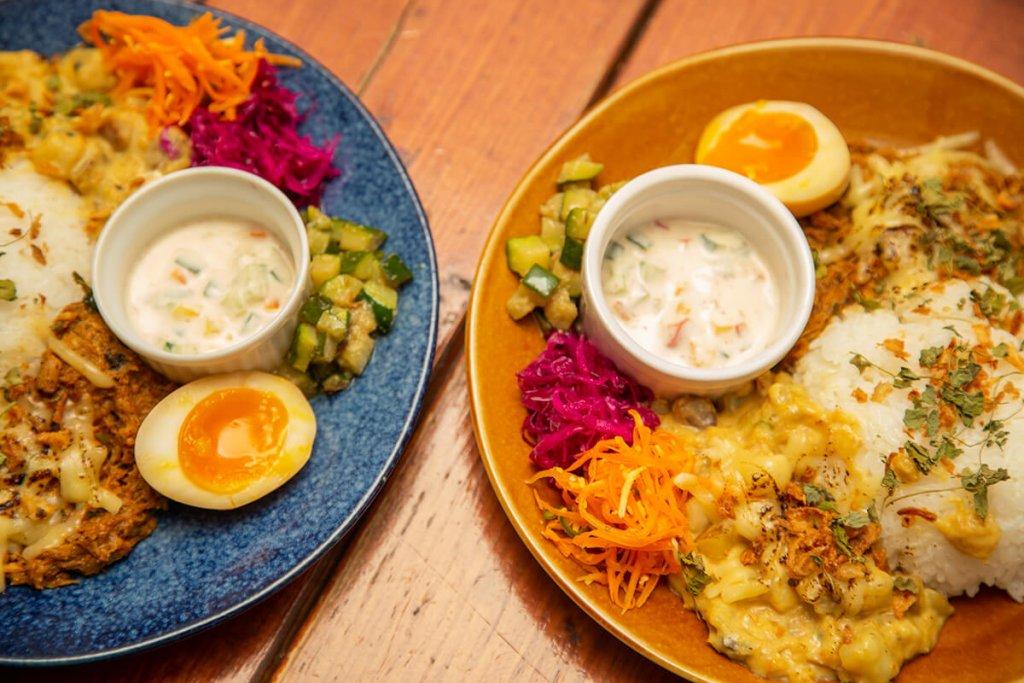 月曜日のカレーちゃんの『柚子胡椒のビーフカレー』『ひよこ豆とトマトのカレー』