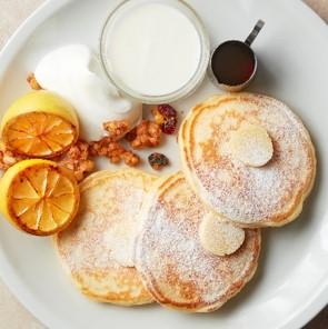 J.S. パンケーキカフェの『レモン&ヨーグルトパンケーキ』
