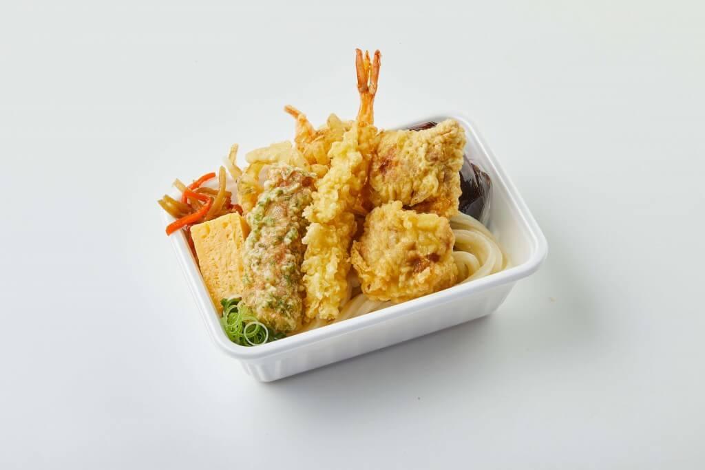 丸亀製麺の『丸亀うどん弁当』-4種の天ぷらと定番おかずのうどん弁当