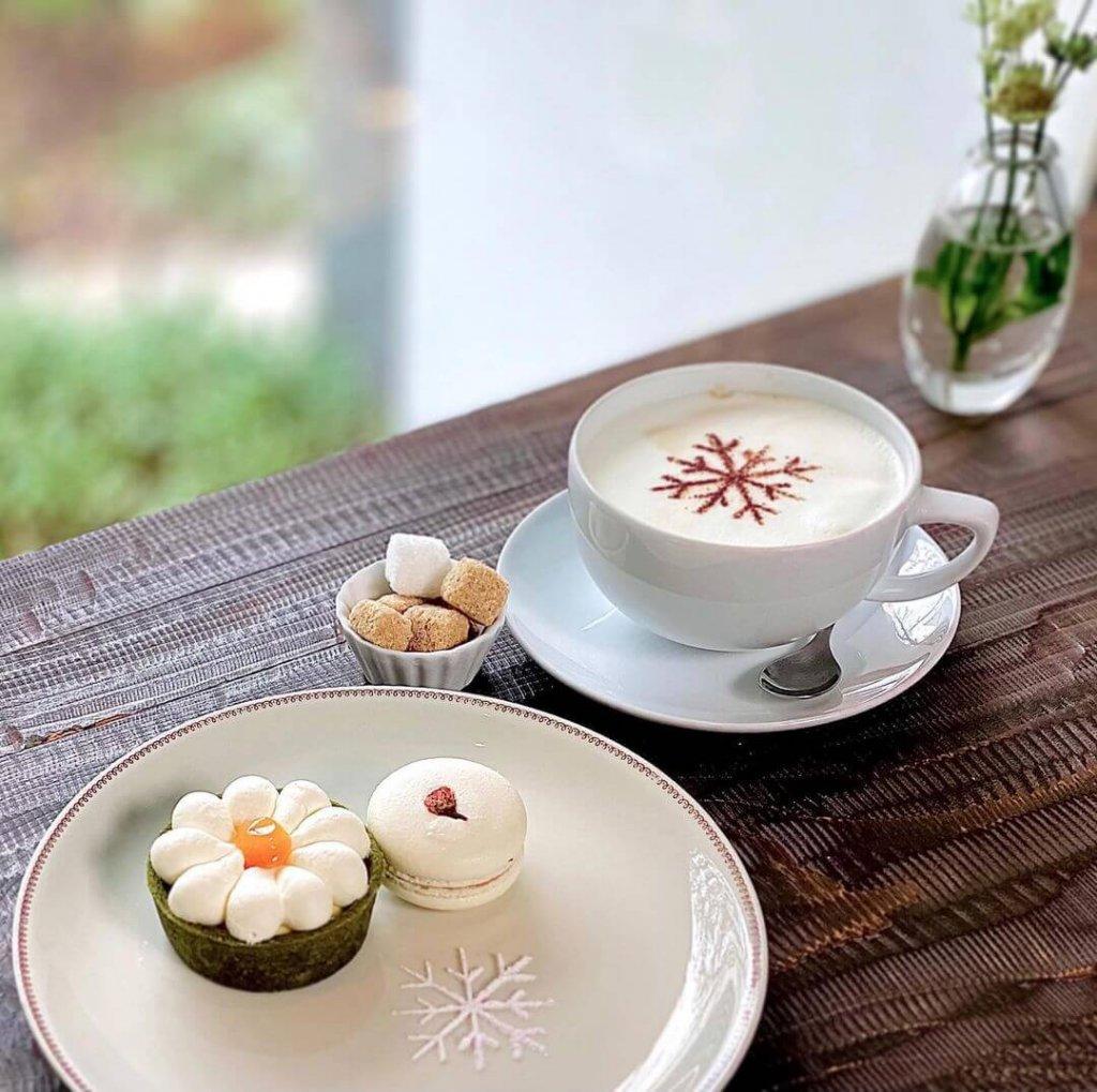 けんちくとカフェ kanna(カンナ)の『hanaタルト』『桜マカロン』