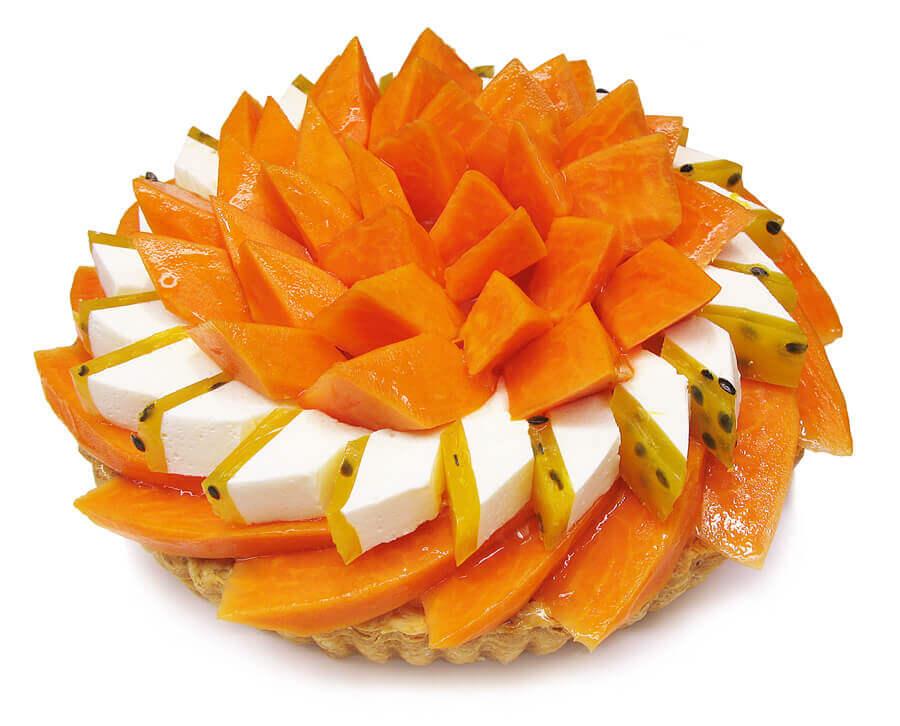 カフェコムサの『宮崎県産「完熟パパイア」とパッションフルーツのケーキ』
