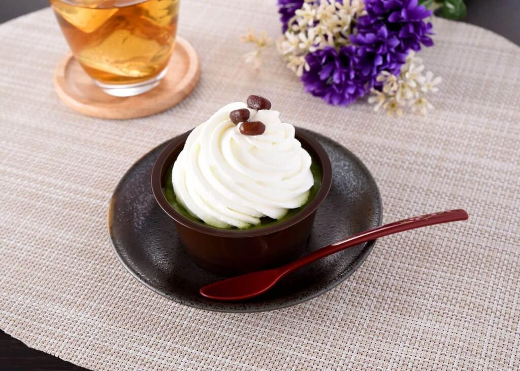 ファミリーマートの『クリームほおばる宇治抹茶ケーキ』