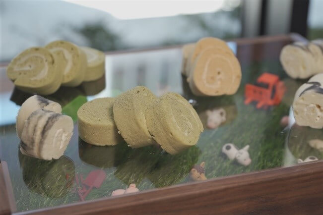 京王プレリアホテル札幌 × 北大牛乳のコラボメニュー『牧場ロールケーキ』